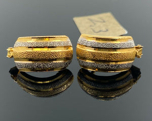 22k Earring Solid Gold Ladies Simple Clip On with Geometric Pattern Design E6485