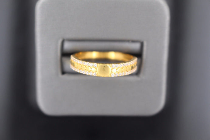 22k 22ct Solid Gold BEAUTIFUL ZIRCONIA BAND Ring SIZE 8.8