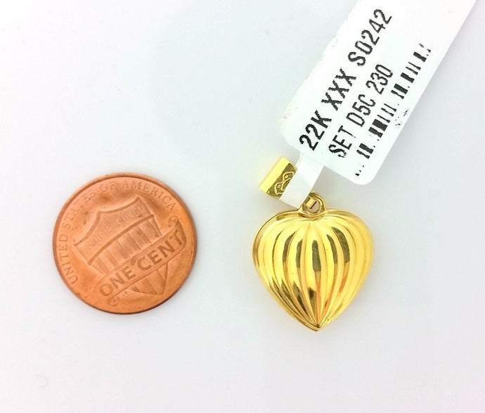 22k Solid Gold Charm Unique Heart shape pendant gross finish s0242
