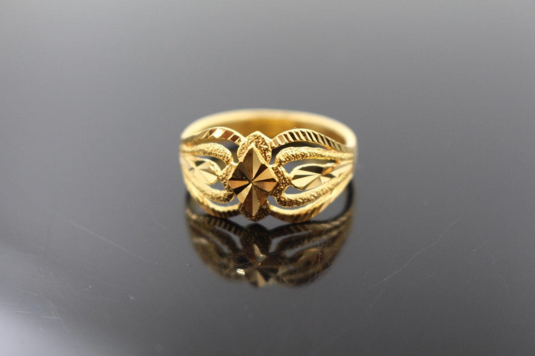 22k 22ct Solid Gold ELEGANT Charm LADIES Ring SIZE 7.0