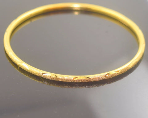 22k Solid Gold ELEGANT WOMEN BANGLE BRACELET ANTIQUE DESIGN Size 2.5 inch B335