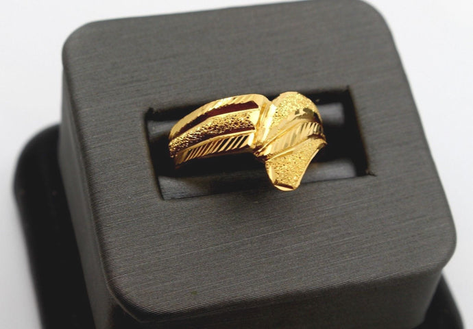 22k 22ct Solid Gold BEAUTIFUL WOMEN RING BAND Size 7.8 RESIZABLE R1376