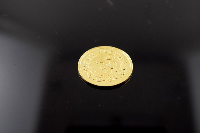22K Yellow Solid Gold Religious Coin Handmade OM Glossy Finish
