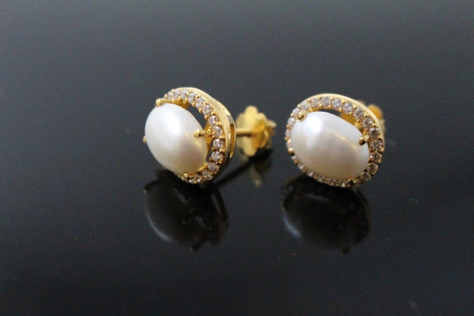 22k Jewelry Solid Gold ELEGANT STUD SCREW BACK EARRINGS Unique Design E5797