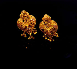 22k Solid Gold ELEGANT STUD SCREW BACK EARRINGS Unique Design E721