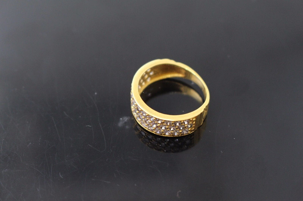 22k 22ct Solid Gold ELEGANT ZIRCONIA Ring BAND SIZE 6.0