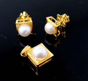 22k 22ct Solid Gold BEAUTIFUL NATURAL PEARL SQUARE Pendant Set p659