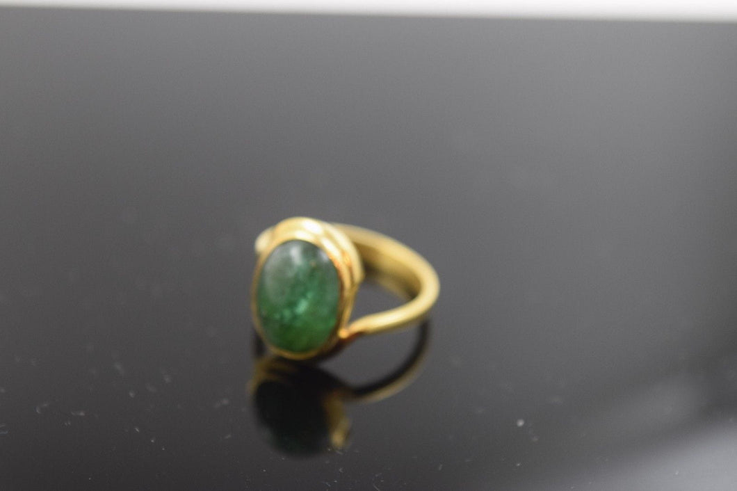 22k Solid Gold ELEGANT Ring BAND Emerald Stone