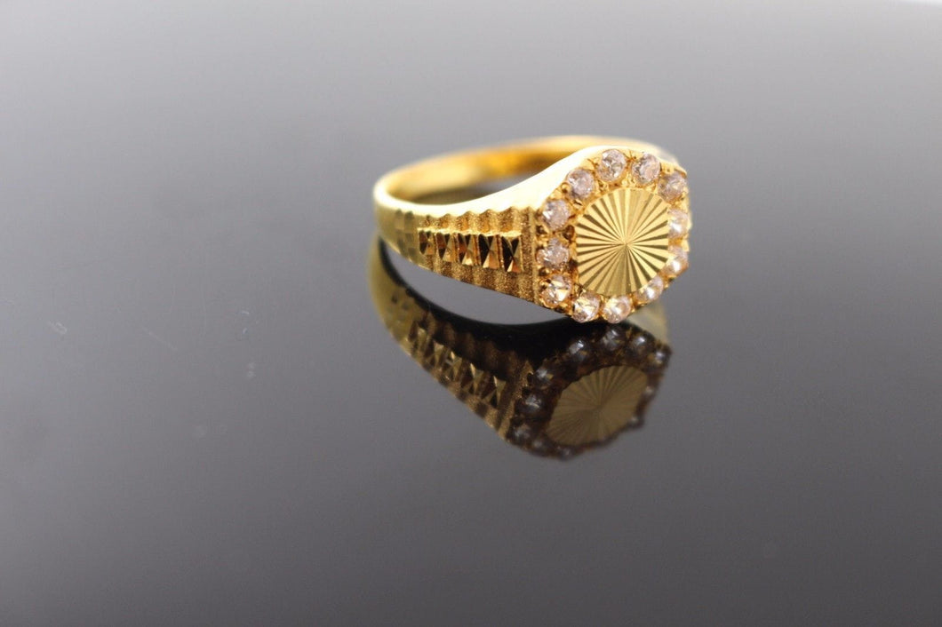 22k 22ct Solid Gold ELEGANT Ladies Stone Ring SIZE 10.5 RESIZABLE