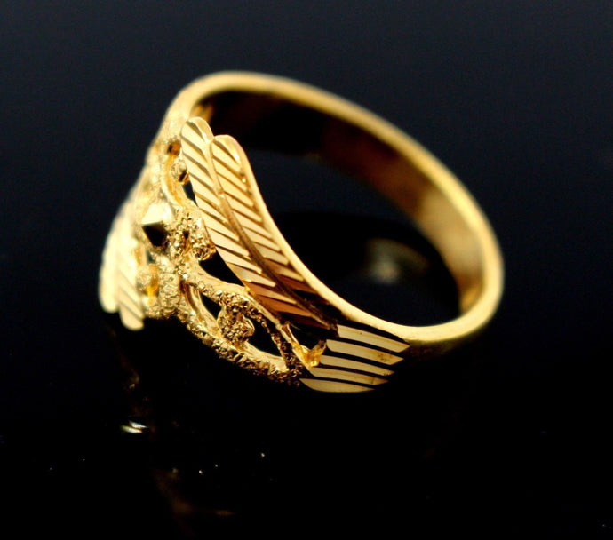 22k Solid Gold ELEGANT DIAMOND CUT LADIES RING SIZE 7.5