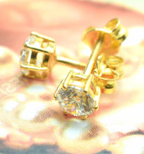 22k Solid Gold ELEGANT SOLITAIRE STONE STUD EARRINGS E218