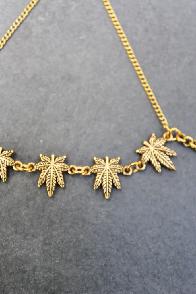 Bud Leaf Cross Handchain (Gold)