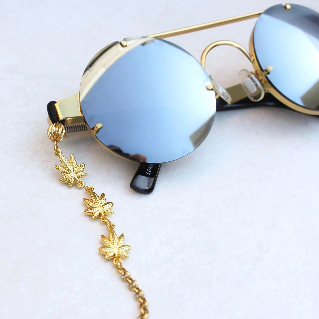 Weed Leaf Glasses Chain - Gold
