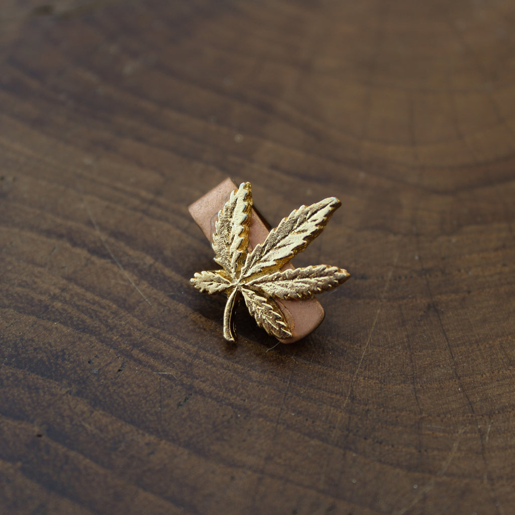 Vintage Gold Weed Leaf Tie Clip - Blunted Objects
