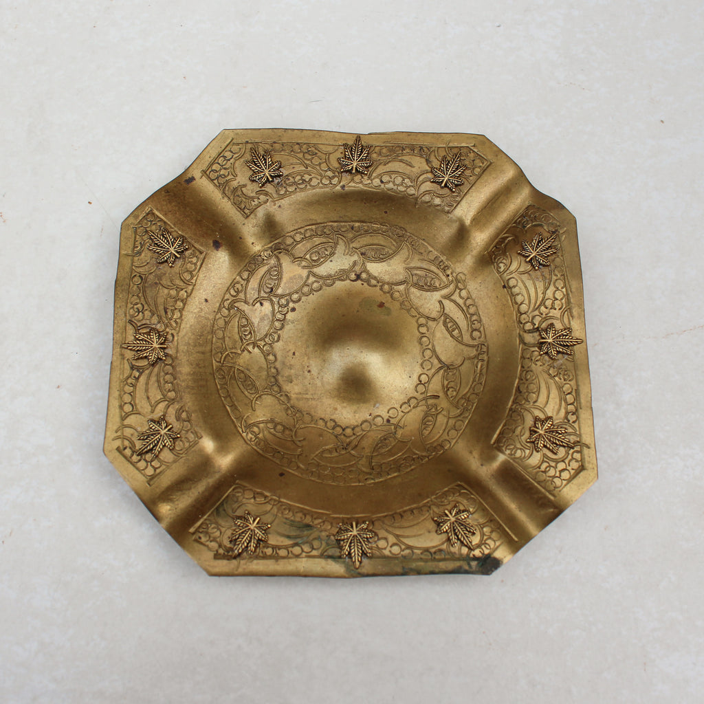 Etched Design Weed Leaf Ashtray - Blunted Objects