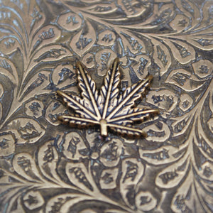 Floral Weed Leaf Brass Ashtray - Blunted Objects