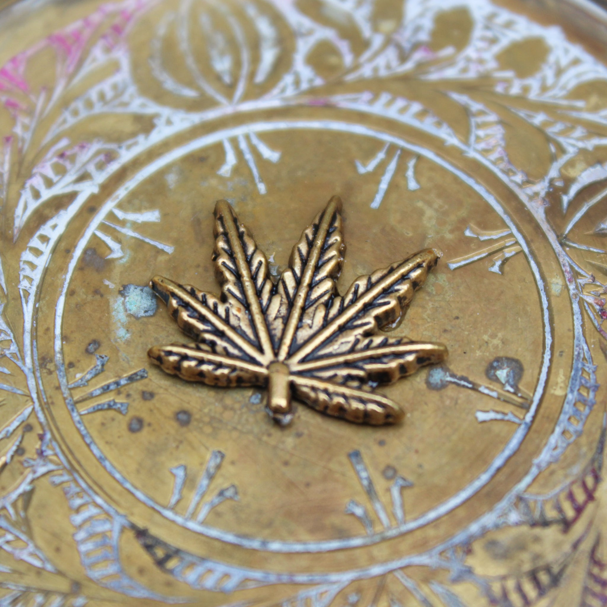 Mini Weed Leaf Brass Ashtray - Blunted Objects