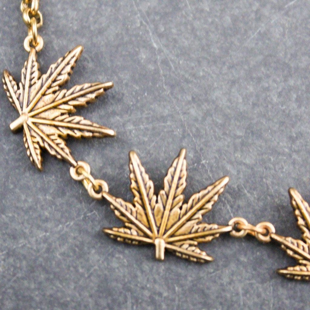 Tattoo Leaf Choker (Gold)