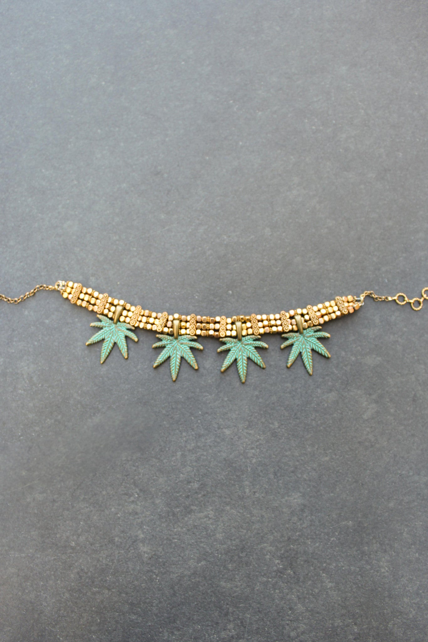 Queen Of The Forest Leafs Choker