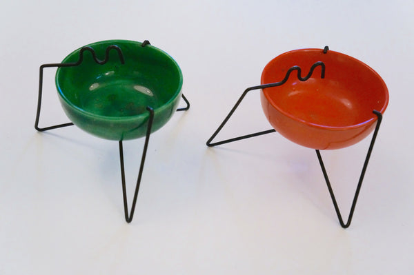 Funky 1960s dip/ash tray with wire stand