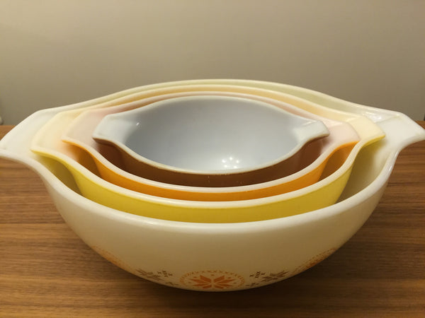 Pyrex Town and Country Mixing Bowl Set
