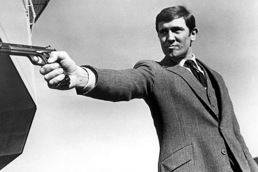 Sinclair altered Connery's suit to accommodate Lazenby's long arms