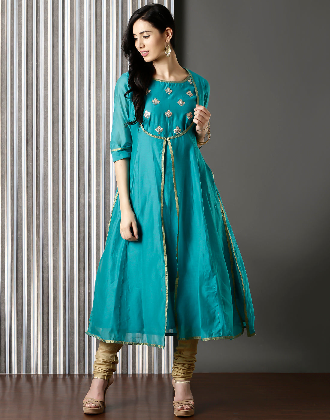 Meena Bazaar:   Embroidered Cotton Chanderi kurta