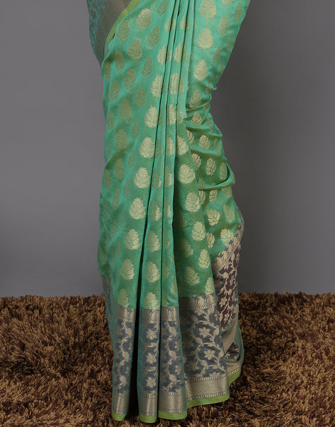 Woven saree with zaari booti