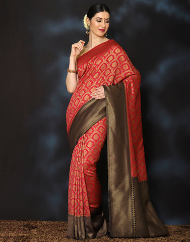 Meena Bazaar:  Woven saree with golden floral jaal with contrasting border