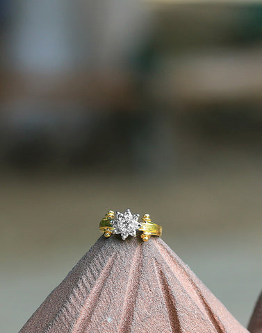 Meena Bazaar: Golden Tone Diamond Ring