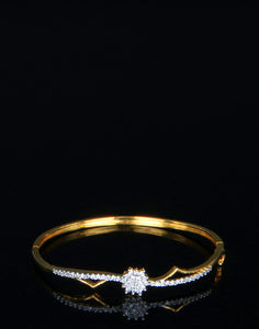 Meena Bazaar : Diamond Studded Golden Tone Bracelet