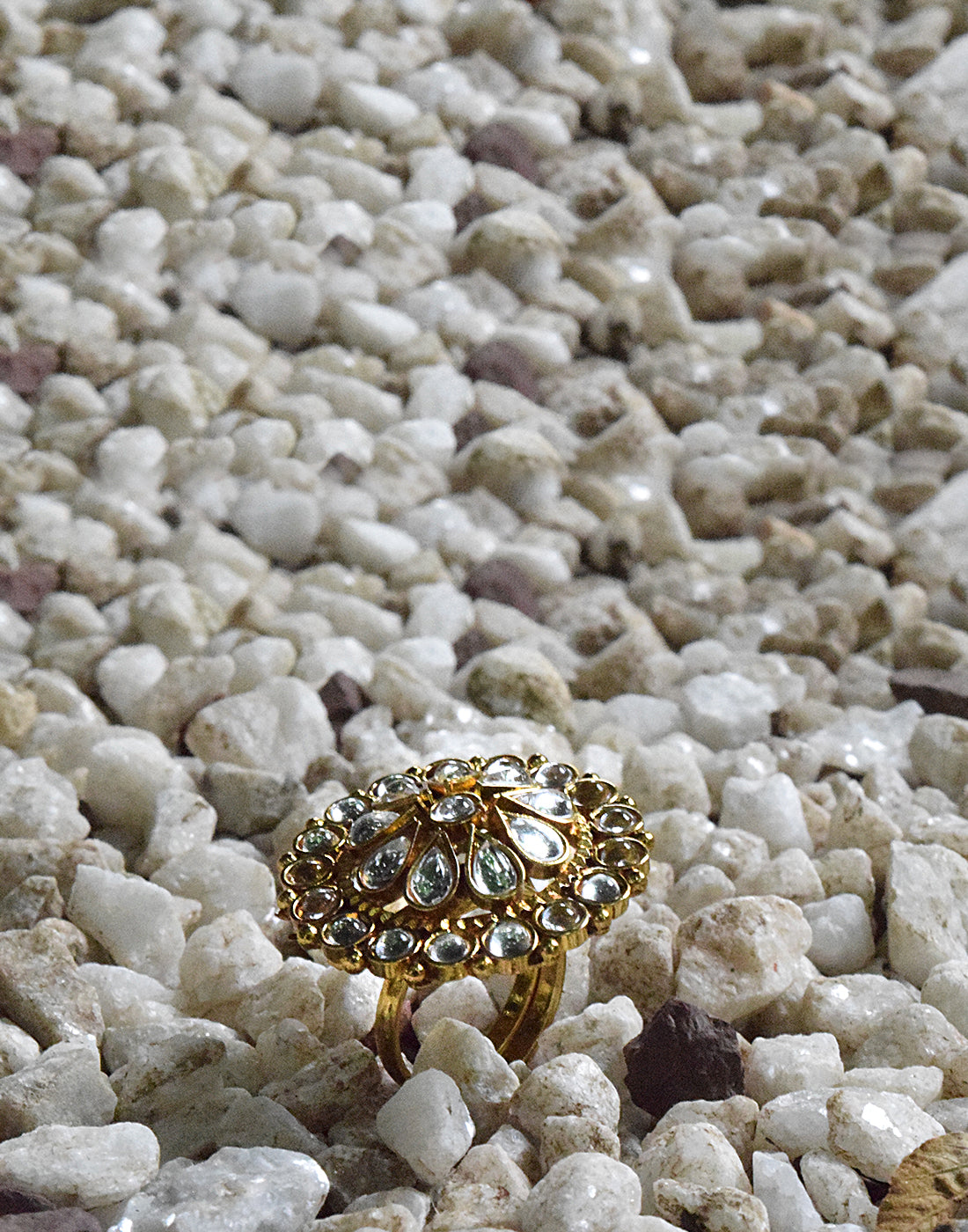 Meena Bazaar: Kundan Embedded Golden Tone Ring