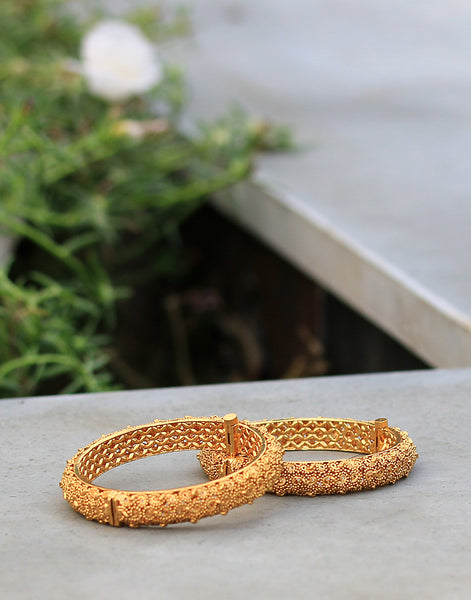 Adjustable Kadas In Gold Finish