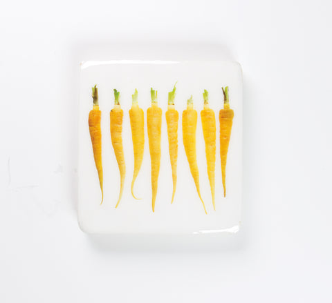 Yellow mini carrots (20cm x 20cm)