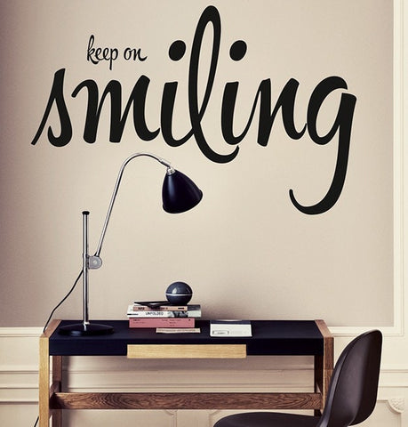 Vinilo decorativo - Keep on smiling - Viniloestil