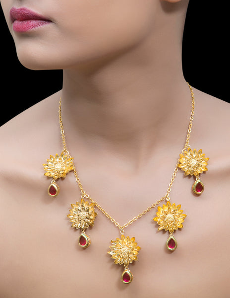 Gold flower chain necklace