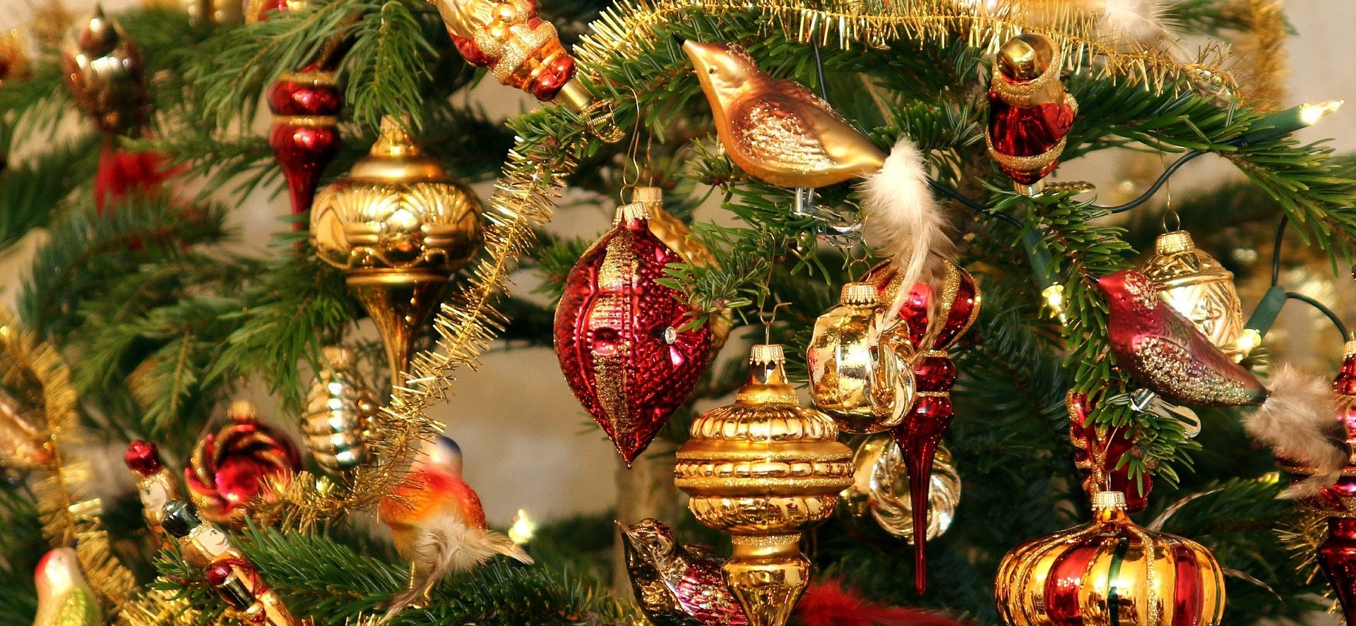 vintage christmas tree image and link to vintage accessories