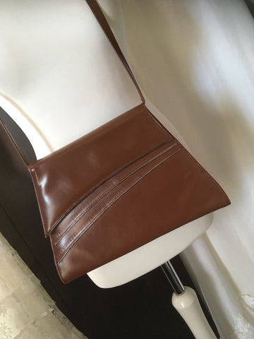 70s leather shoulder bag at hurdyburdy vintage