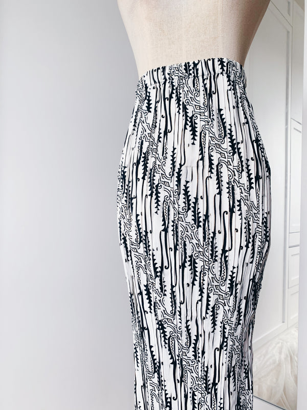 Pleated Skirt - Black&White