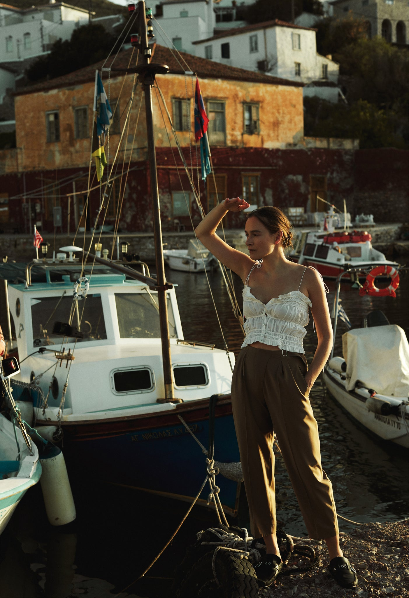 Model in Rita top in Hydra