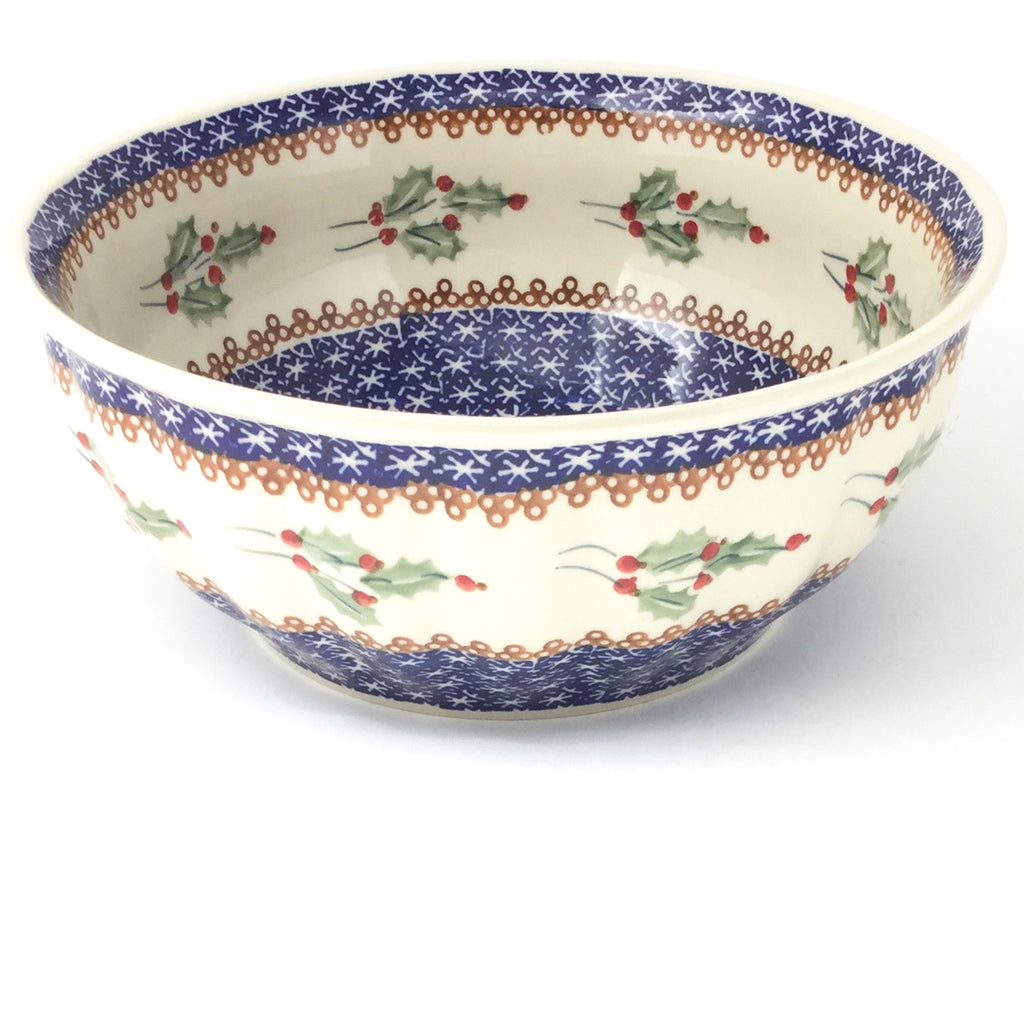 Scalloped Bowl 64 oz in Holly