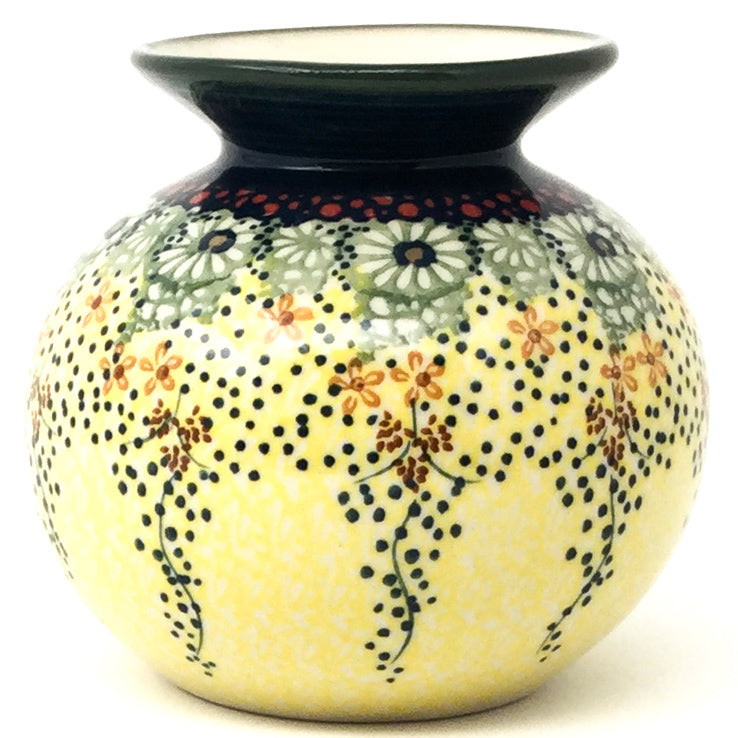 Round Vase in Cottage Decor