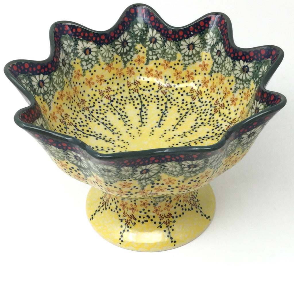 Pedestal Berry Bowl in Cottage Decor