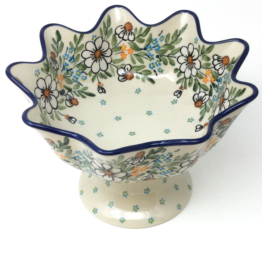 Pedestal Berry Bowl in Spectacular Daisy