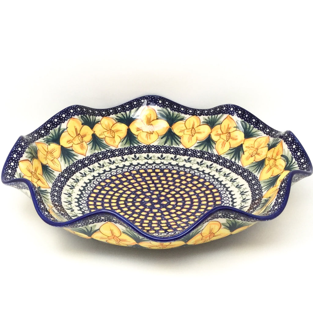 Fluted Pasta Bowl in Daffodils
