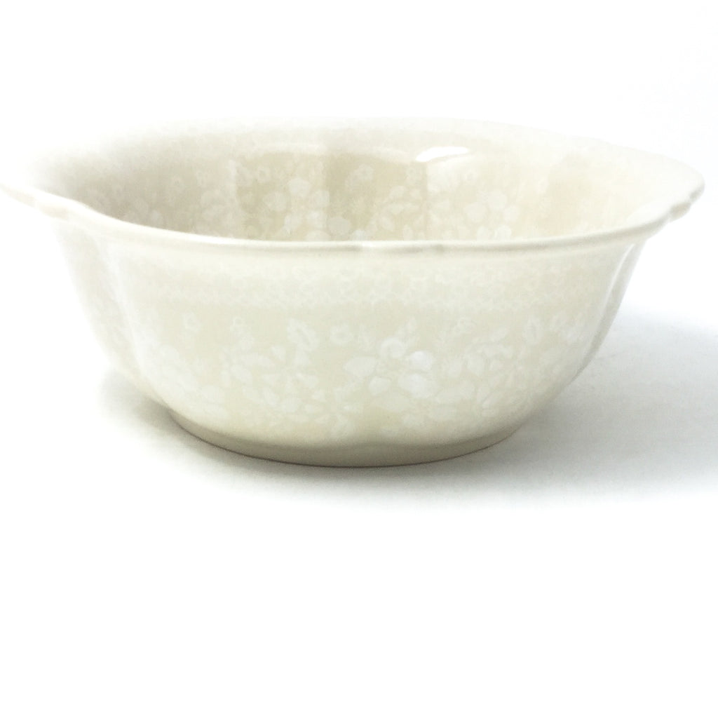 Sm Retro Bowl in White on White