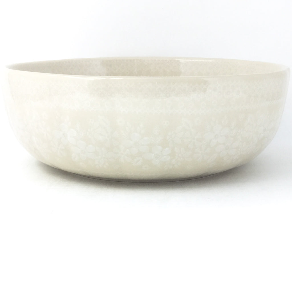 Family Shallow Bowl in White on White