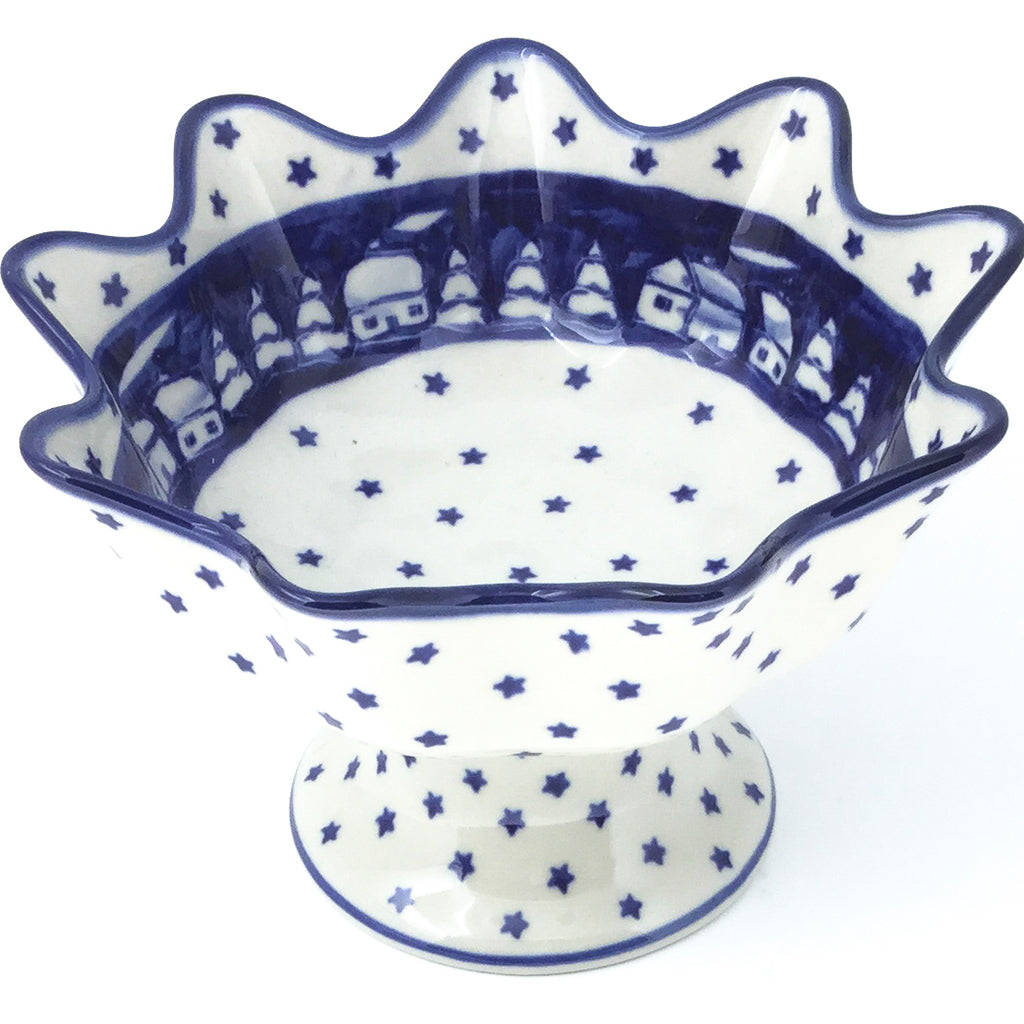 Pedestal Berry Bowl in Winter