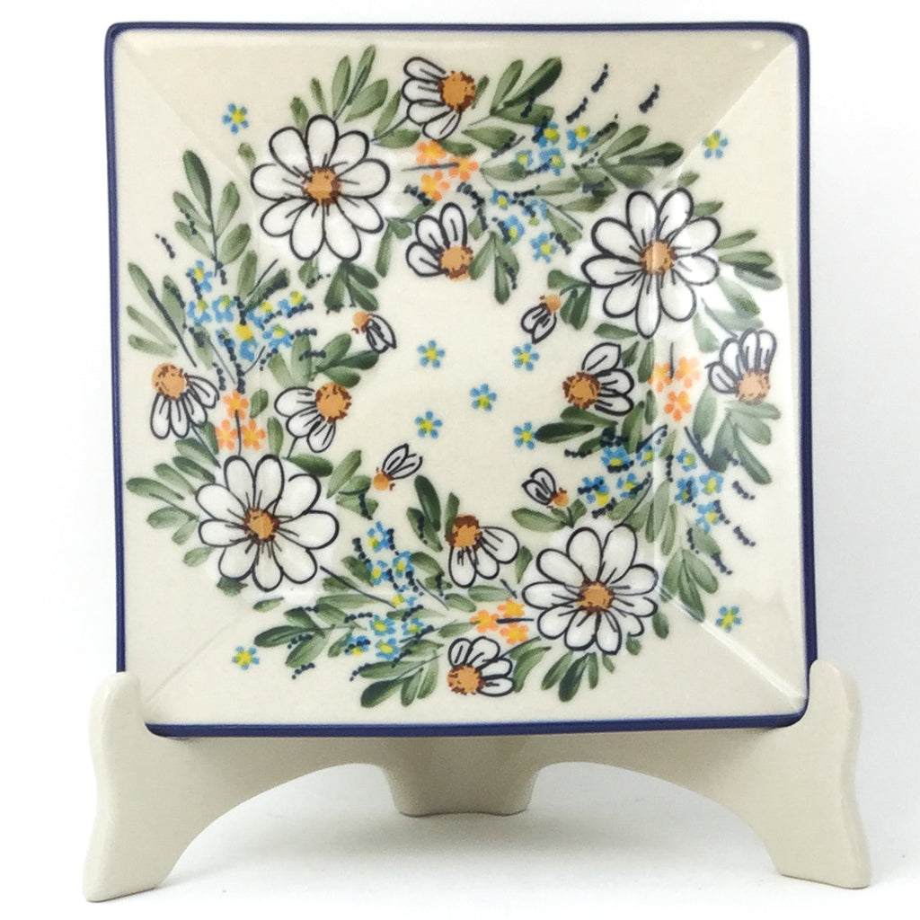 Square Luncheon Plate in Spectacular Daisy