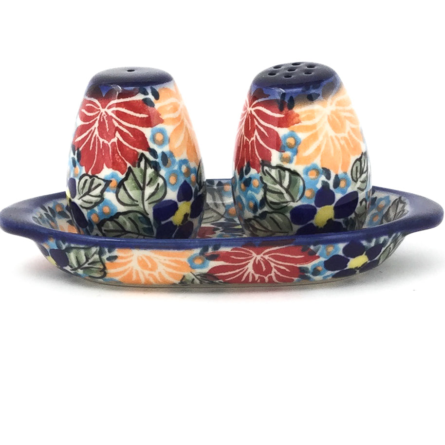 Salt & Pepper Set w/Tray in Just Glorious